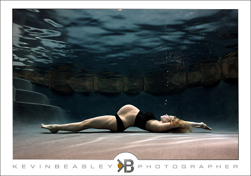Clementine And Fig Underwater Pregnancy Photos